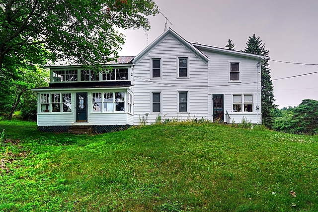 2340 Crozier Road A Waterfront Bobs Lake Cottage Gurreathomes