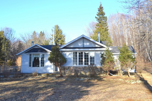149 Holsgrove Lane Eel Lake South Frontenac Waterfront Gurreathomes