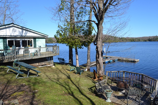 418 Hickey Lane Bobs Lake Waterfront Gurreathomes