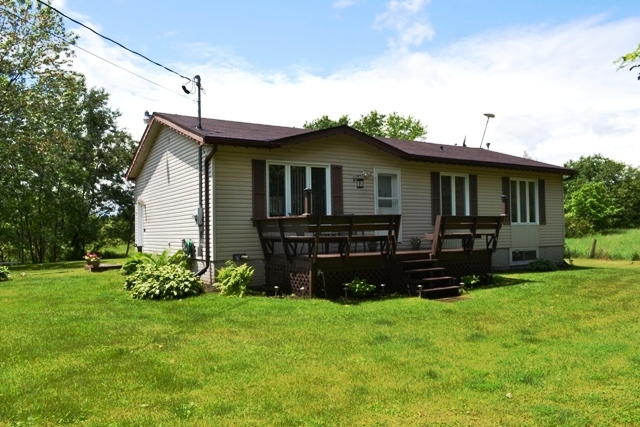 480 Porter Road Bungalow Acre Rideau Lakes Westport Gurreathomes