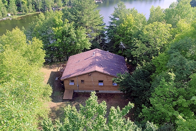 121 Sleepy Haven Lane, South Frontenac, Buck Lake, Gurreathomes.com